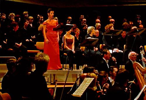 Konzertante Aufführung in der Philharmonie Berlin unter Sir Simon Rattle 2004